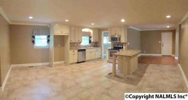 8120 Warden Drive, Huntsville, AL 35802 (MLS #1078827) :: Amanda Howard Real Estate™