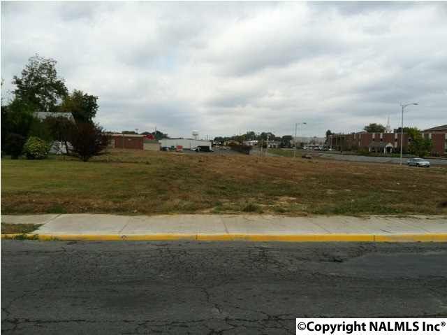 301 Jackson Street, Albertville, AL 35950 (MLS #1082830) :: Capstone Realty