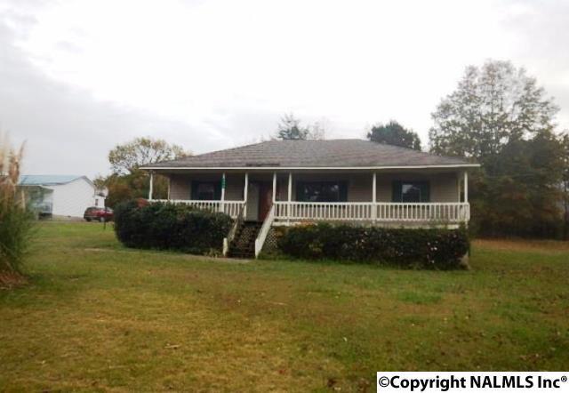372 Edgehill Lane, Arab, AL 35016 (MLS #1083698) :: Amanda Howard Real Estate™