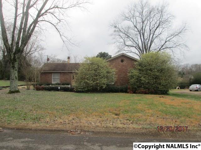 2223 NW Barrywood Road, Huntsville, AL 35810 (MLS #1084396) :: Amanda Howard Real Estate™