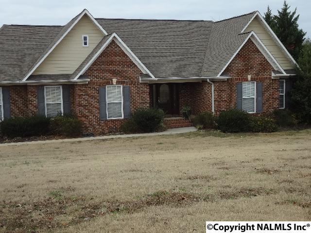 1108 Cimarron Drive, Scottsboro, AL 35769 (MLS #1084464) :: Amanda Howard Real Estate™