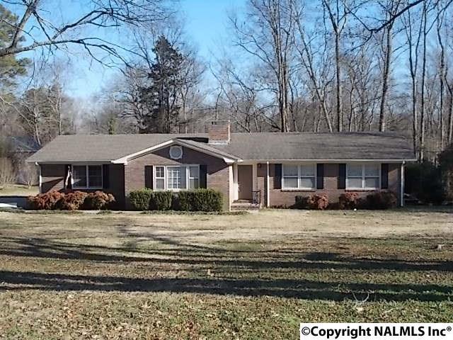 1711 Proctor Drive, Scottsboro, AL 35769 (MLS #1084813) :: Amanda Howard Real Estate™