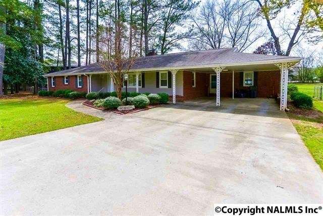 2005 Country Club Road, Decatur, AL 35601 (MLS #1085492) :: RE/MAX Alliance