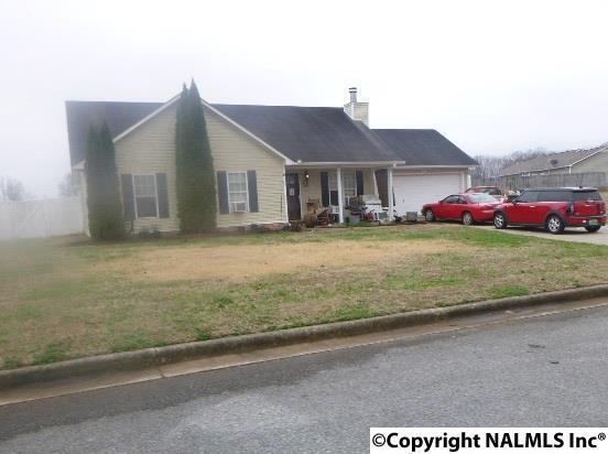 329 Earnhardt Drive, New Market, AL 35761 (MLS #1085890) :: Amanda Howard Real Estate™
