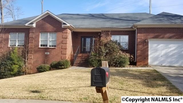 211 Reedwood Lane, Huntsville, AL 35810 (MLS #1087402) :: Amanda Howard Real Estate™