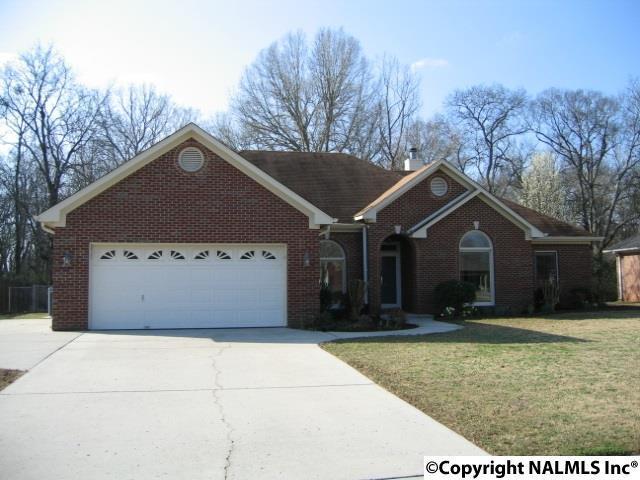 2333 Villaret Drive, Huntsville, AL 35803 (MLS #1087734) :: Amanda Howard Real Estate™