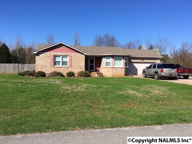 105 Mandy Drive, Hazel Green, AL 35750 (MLS #1088358) :: RE/MAX Distinctive | Lowrey Team