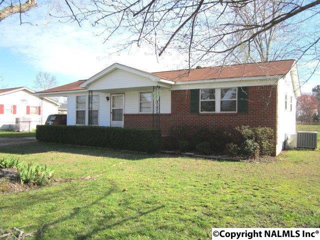 1205 7TH AVENUE, Athens, AL 35611 (MLS #1088911) :: Amanda Howard Real Estate™
