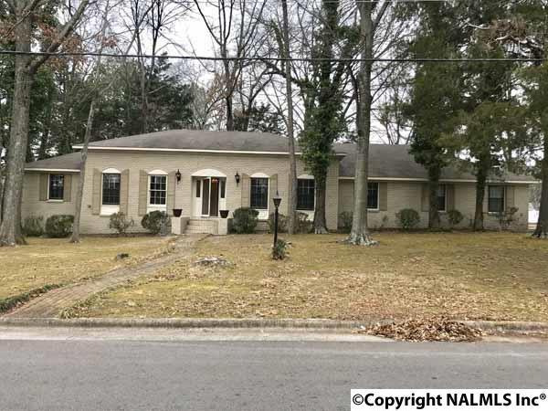 2809 Mctavish Avenue, Decatur, AL 35603 (MLS #1089458) :: Amanda Howard Real Estate™
