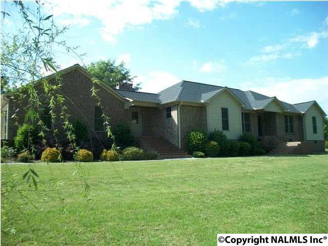 99 Pleasant Hill Cut Off Road, Boaz, AL 35956 (MLS #1089507) :: Amanda Howard Real Estate™