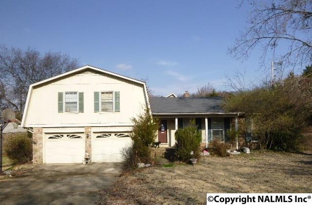 7800 Springbrook Drive, Huntsville, AL 35802 (MLS #1089935) :: Capstone Realty