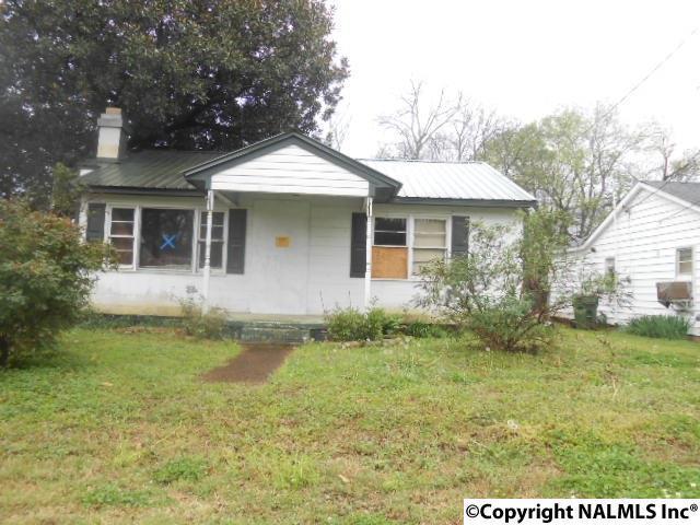 3709 8TH AVENUE SW, Huntsville, AL 35805 (MLS #1090924) :: Intero Real Estate Services Huntsville