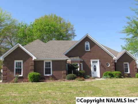 1403 Sweetbriar Place, Decatur, AL 35603 (MLS #1091227) :: RE/MAX Distinctive | Lowrey Team