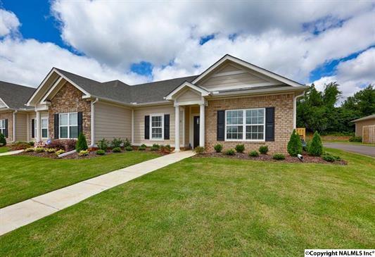 90 NW Moore Farm Circle, Huntsville, AL 35806 (MLS #1096474) :: Amanda Howard Real Estate™