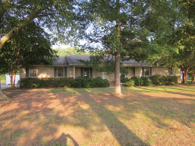 21560 Rochelle Road, Athens, AL 35614 (MLS #1101220) :: Amanda Howard Sotheby's International Realty