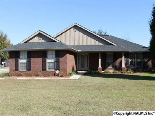 672 Piney Woods Road, Owens Cross Roads, AL 35763 (MLS #1101295) :: Eric Cady Real Estate