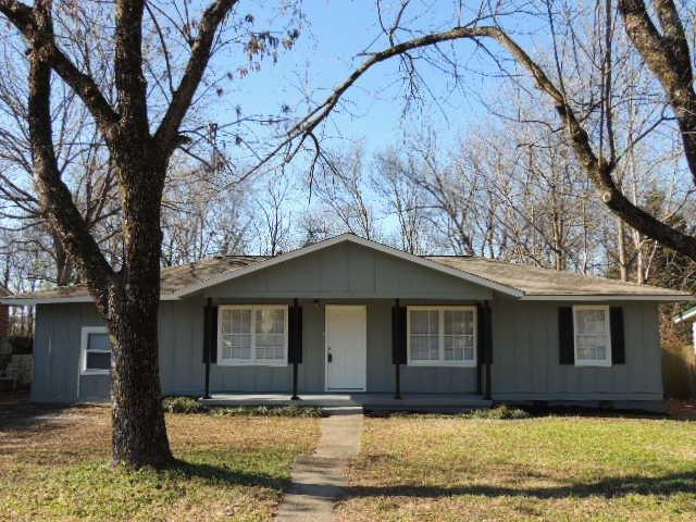 3202 Boswell Drive, Huntsville, AL 35811 (MLS #1108934) :: Legend Realty