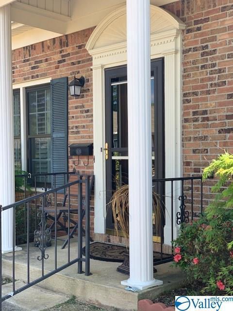 8142 Oldfield Road, Huntsville, AL 35802 (MLS #1116154) :: The Pugh Group RE/MAX Alliance