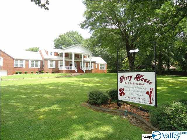 2323 N Alabama Highway 205, Albertville, AL 35950 (MLS #1116816) :: Capstone Realty