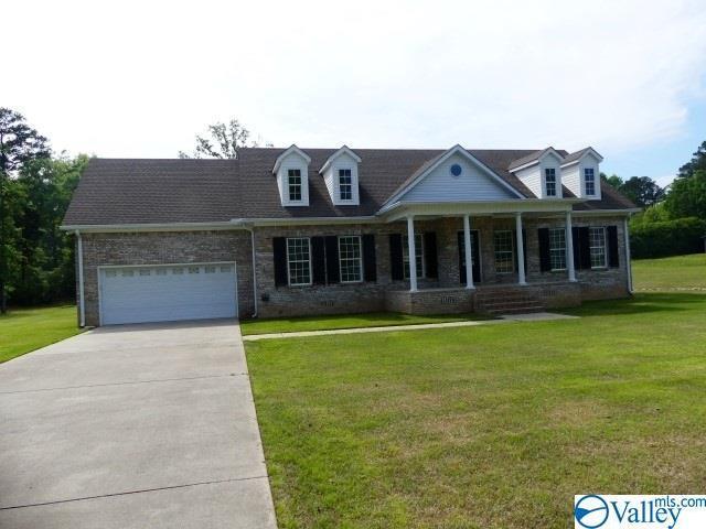 136 Morningside Drive, Guntersville, AL 35976 (MLS #1117571) :: Legend Realty