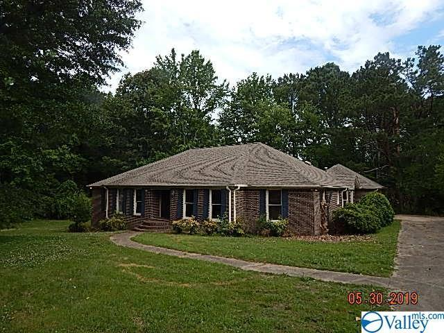 111 Ross Drive, Boaz, AL 35956 (MLS #1120314) :: Amanda Howard Sotheby's International Realty