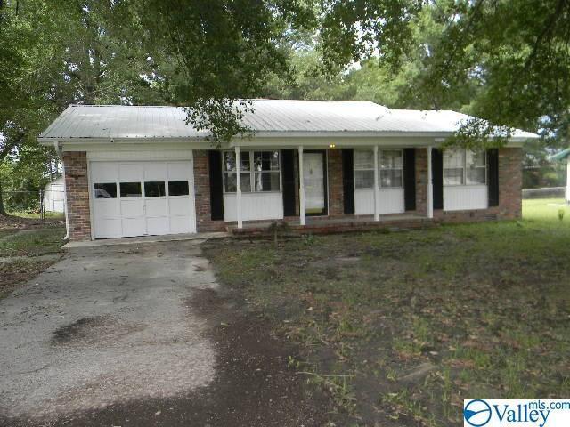 711 Frost Street, Hartselle, AL 35640 (MLS #1120642) :: Capstone Realty