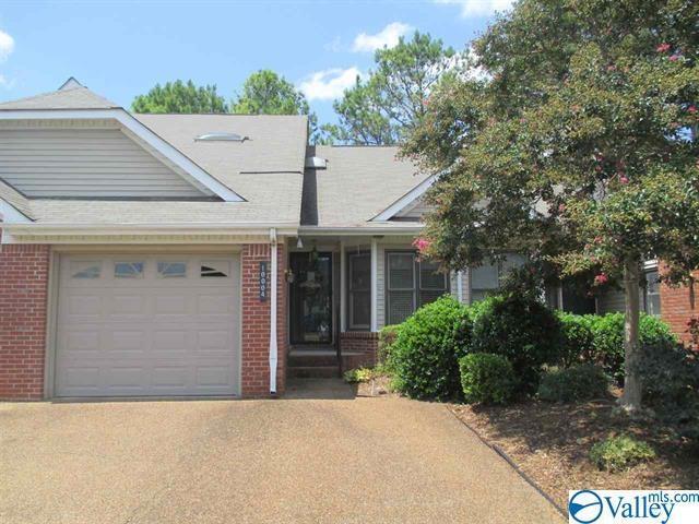 10004 Meredith Lane, Huntsville, AL 35803 (MLS #1121370) :: Capstone Realty