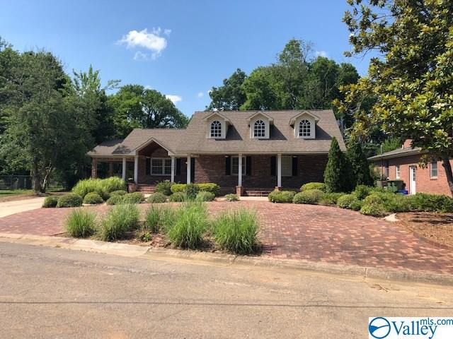 1104 W Cleermont Circle, Huntsville, AL 35801 (MLS #1121471) :: Intero Real Estate Services Huntsville