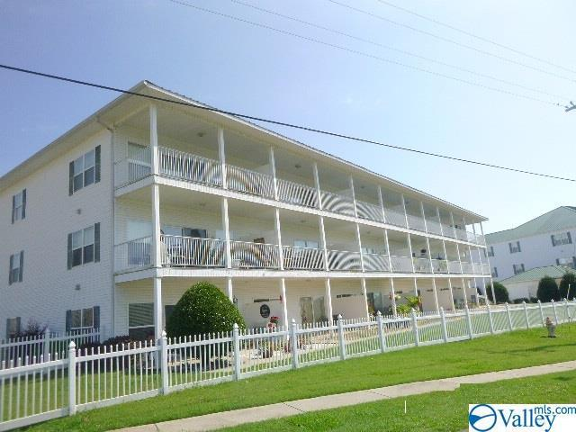 5799 Bay Village Drive, Athens, AL 35611 (MLS #1122754) :: Amanda Howard Sotheby's International Realty