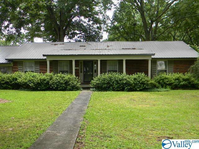 1507 Magnolia Street, Decatur, AL 35601 (MLS #1123967) :: Capstone Realty