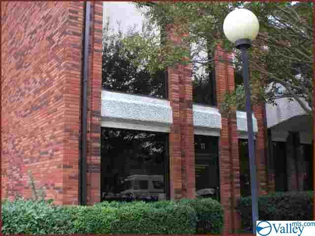 303 (Suite 221) Williams Avenue #221, Huntsville, AL 35801 (MLS #1125313) :: Rebecca Lowrey Group