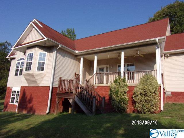 300 34TH STREET, Fort Payne, AL 35967 (MLS #1127970) :: The Pugh Group RE/MAX Alliance