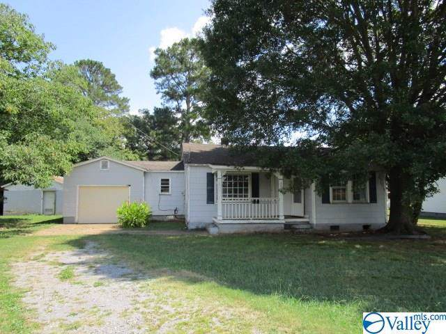 3047 Old Hwy 431, Owens Cross Roads, AL 35763 (MLS #1129993) :: Coldwell Banker of the Valley