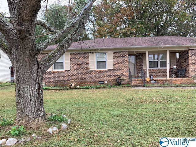 2217 Southpark Blvd, Huntsville, AL 35803 (MLS #1131888) :: The Pugh Group RE/MAX Alliance