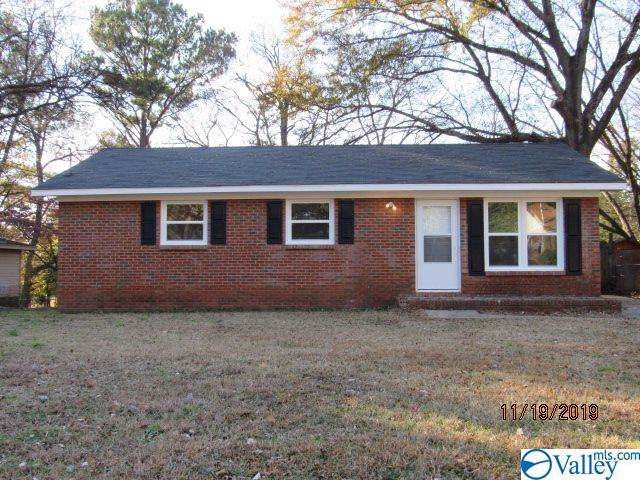 2827 NW Greenside Drive, Huntsville, AL 35816 (MLS #1132310) :: The Pugh Group RE/MAX Alliance