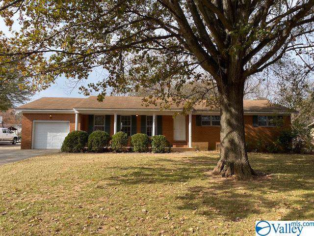 907 6TH AVENUE SW, Decatur, AL 35601 (MLS #1132467) :: Legend Realty