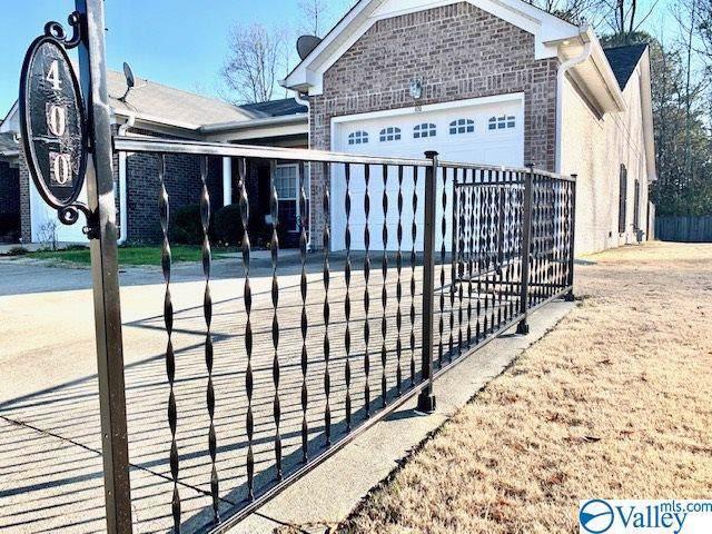 400 Santana Drive, Athens, AL 35611 (MLS #1133184) :: Capstone Realty