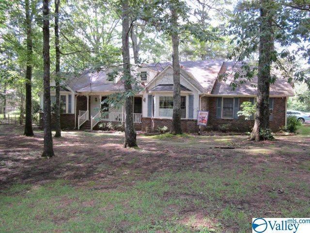 26719 Oak Road, Athens, AL 35613 (MLS #1144853) :: Revolved Realty Madison