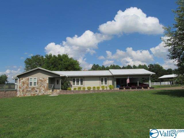 110 Pine Needle Trace, Guntersville, AL 35976 (MLS #1145128) :: Amanda Howard Sotheby's International Realty
