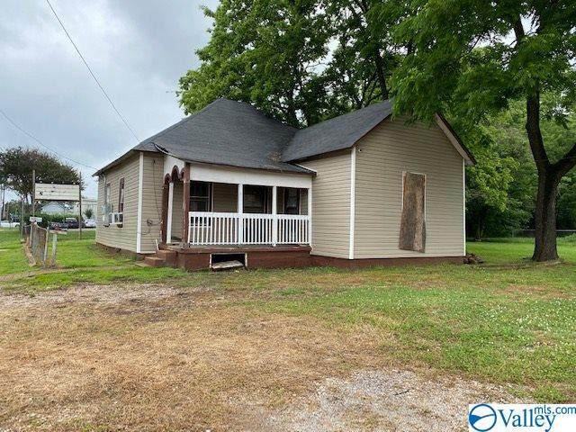 3204 SW 9TH AVENUE, Huntsville, AL 35805 (MLS #1145162) :: The Pugh Group RE/MAX Alliance