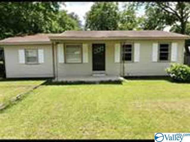 945 Cedar Street, Decatur, AL 35601 (MLS #1147366) :: Amanda Howard Sotheby's International Realty