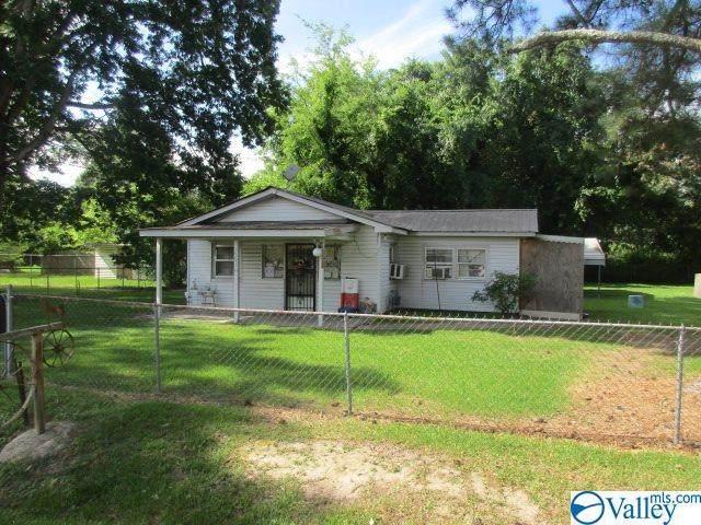 1501 Jefferson Street, Gadsden, AL 35901 (MLS #1147663) :: RE/MAX Distinctive | Lowrey Team