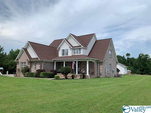 1657 Traylor Street, Fort Payne, AL 35968 (MLS #1150339) :: RE/MAX Distinctive | Lowrey Team