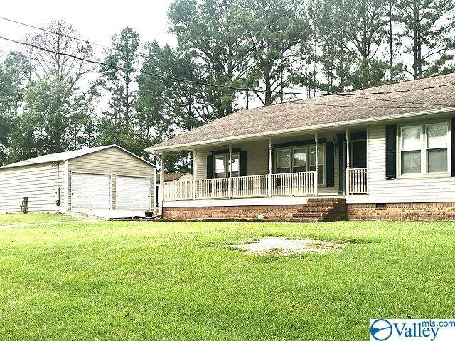 4100 Bachelors Chapel Road, Hokes Bluff, AL 35903 (MLS #1152670) :: Coldwell Banker of the Valley
