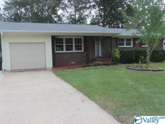 303 S Sharon Street, Scottsboro, AL 35768 (MLS #1152973) :: Revolved Realty Madison