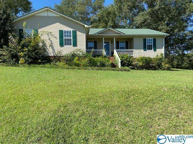 5220 Mountain Pass Road, Southside, AL 35907 (MLS #1154310) :: Coldwell Banker of the Valley