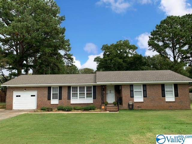 912 6TH AVENUE SW, Decatur, AL 35601 (MLS #1154939) :: Legend Realty