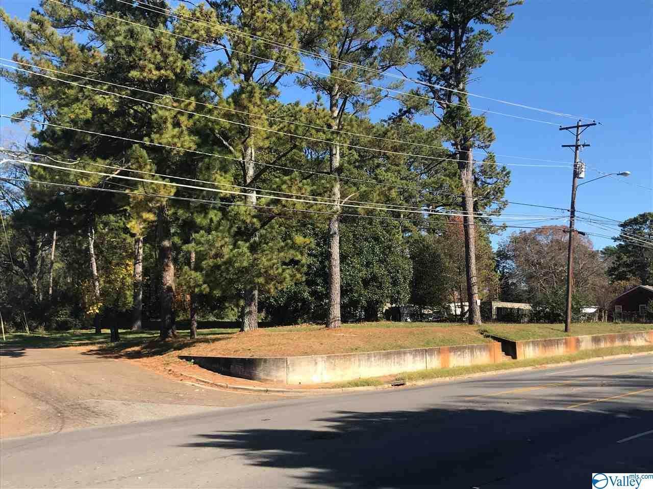 4004 Drake Avenue - Photo 1