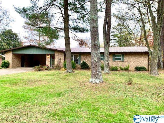 2107 Alabama Avenue, Fort Payne, AL 35967 (MLS #1770440) :: Southern Shade Realty