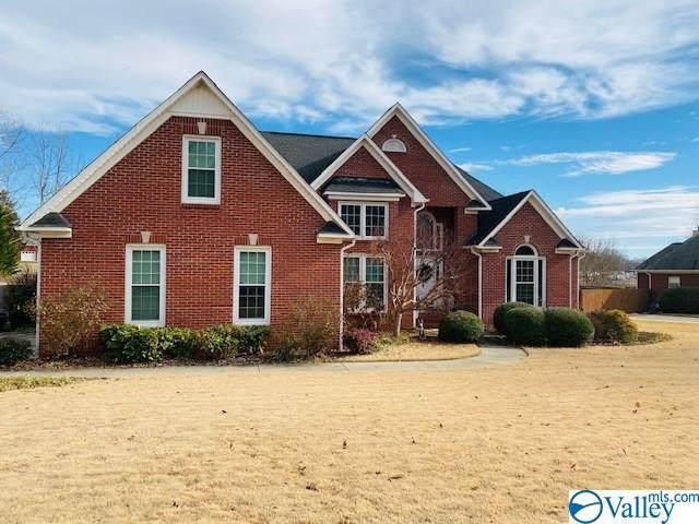 17118 Forrest Hills Drive, Athens, AL 35613 (MLS #1771789) :: MarMac Real Estate